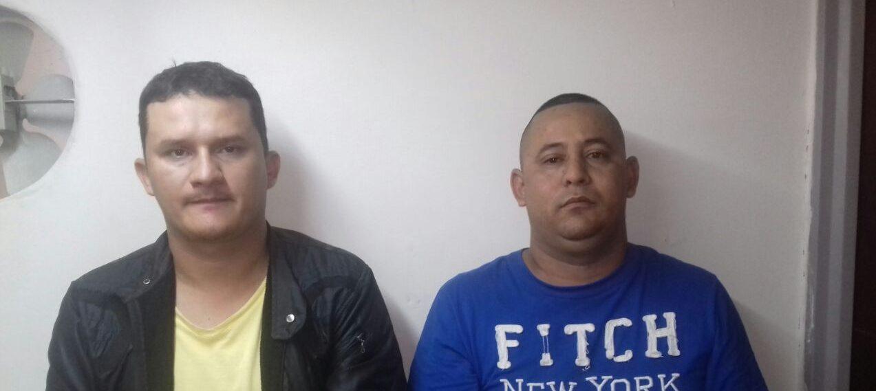 Capturados en flagrancia cuando saqueaban una residencia