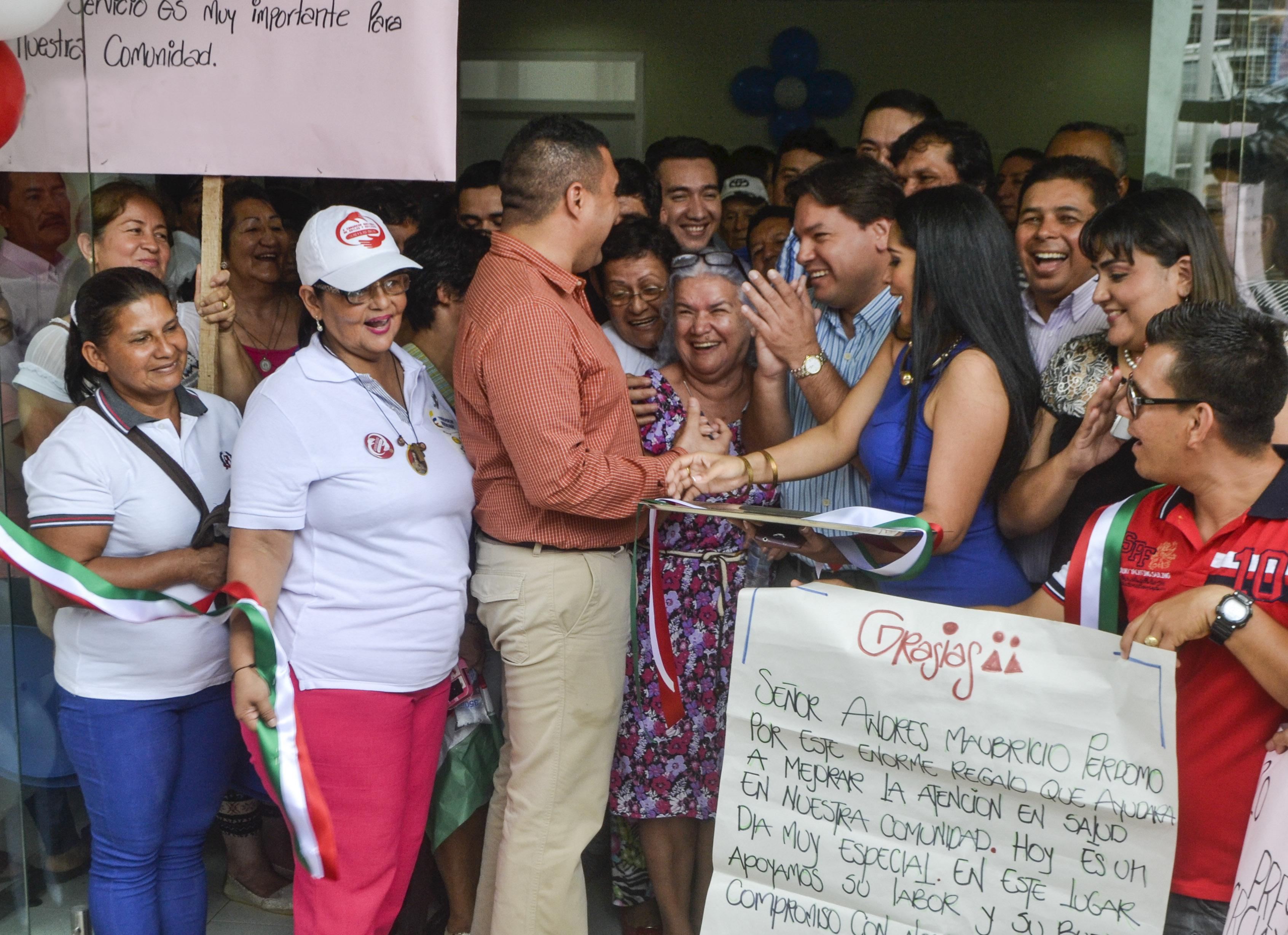Honestidad profesional demostró el alcalde de Florencia al inaugurar un centro de salud