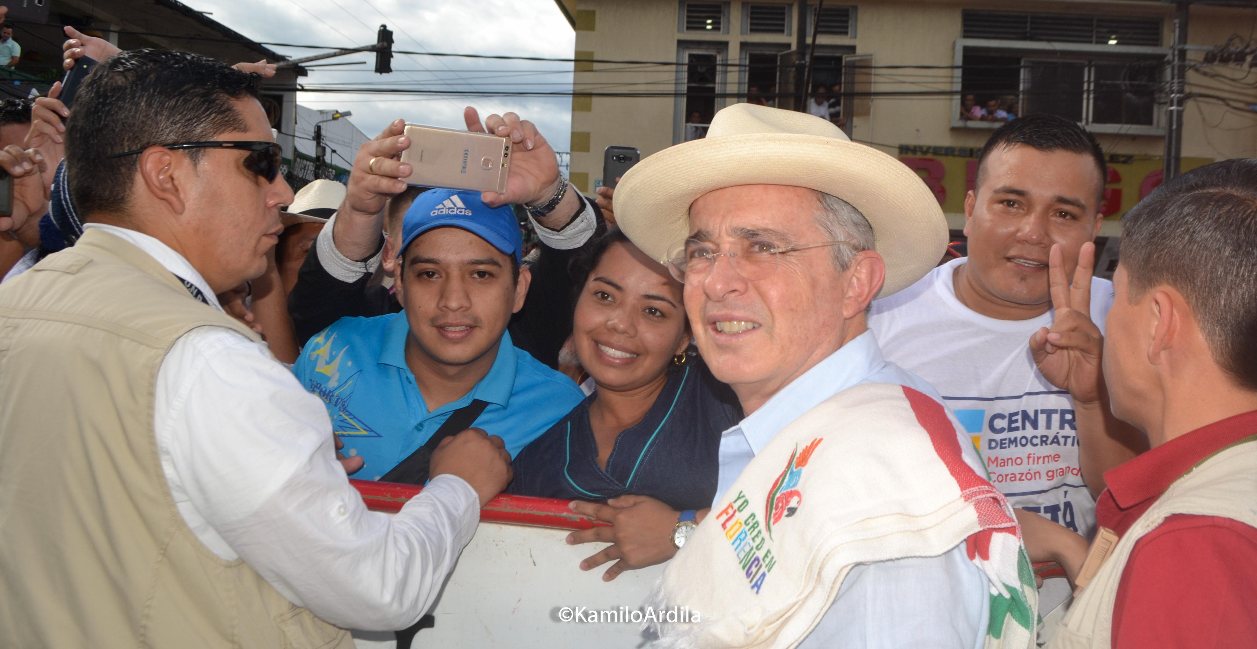 Alvaro Uribe pregonó el NO en Florencia