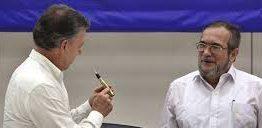 """Con un """"balígrafo"""" Colombia pone punto final a 60 años de guerra"""