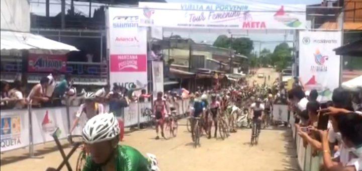 Con accidente culminó la segunda etapa de La Vuelta del Porvenir en Curillo