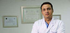 Cirujano huilense se especializa con la élite de la cirugía plástica