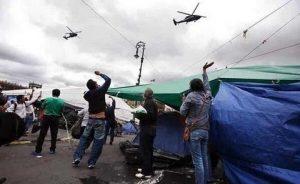 Bombas lacrimógenas desde helicópteros última respuesta de maduro al descontento popular en Venezuela