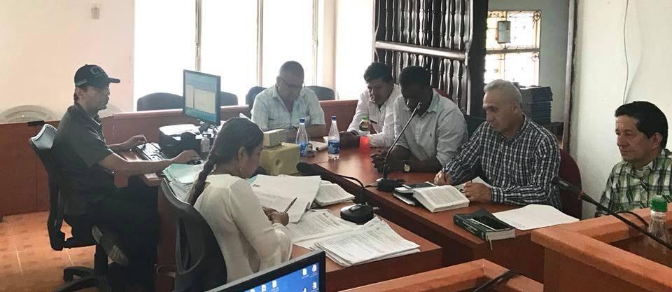 Cuatro delitos le imputan al alcalde de Curillo y a dos de sus funcionarios
