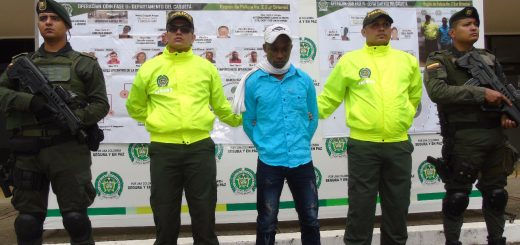 """alias """"el Negro Palomo"""", cabecilla del grupo armado residual al mando de alias """"Rodrigo Cadete""""."""