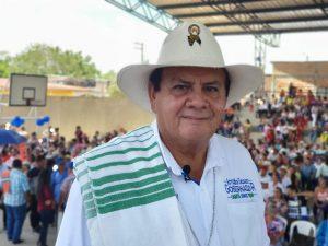 Por su campaña y como expositor Arnulfo Gasca se tomó Expoflorencia
