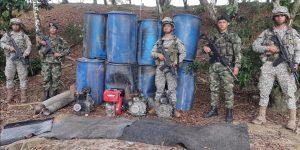 Tres dragas contaminando el río Caquetá fueron destruidas cerca a Curillo