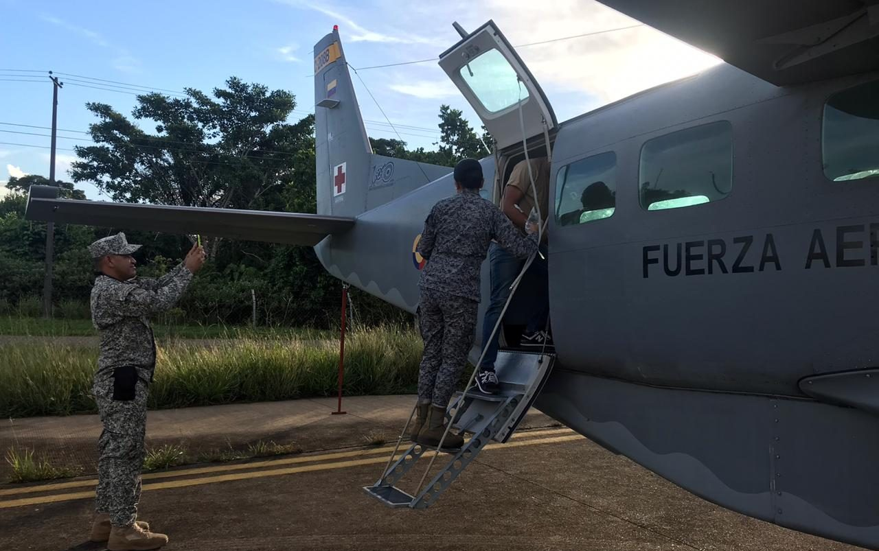 Con traslado aeromédico la Fuerza Aérea lleva joven herido a Bogotá