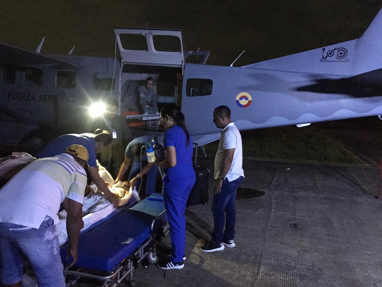 La Fuerza Aérea salva la vida de un niño