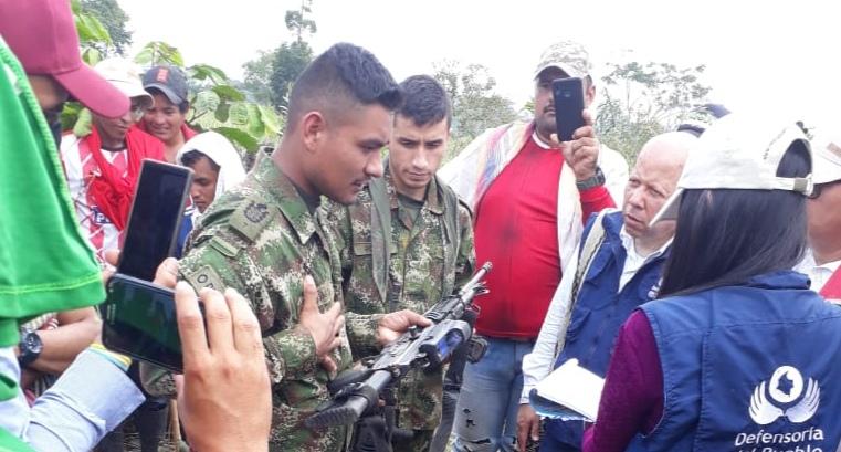La entrega de los militares gesto para establecer mesas de diálogo
